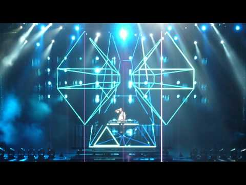 David Guetta - titanium feat Sia - concert Arenes de Nîmes 20-07-2012