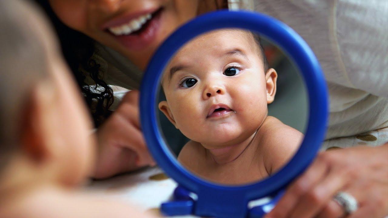 Juegos de beb s reci n nacidos para la estimulaci n for Espejo para ver al bebe