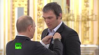 Владимир Путин встретился с российскими хоккеистами