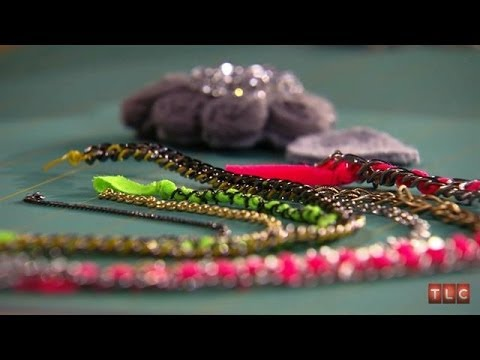 Crafting Jewelry With Tori Spelling