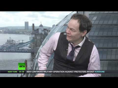 Keiser Report: Hot Tips from Losers (E593)