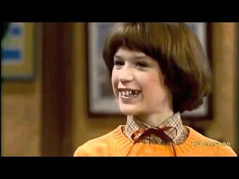 Molly Ringwald singing in The Facts Of Life - Season 1 (1979)