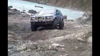 Isuzu mu 4x4 off-roading