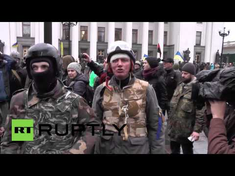 "Ukraine: Protesters detain ""looters"" outside Kiev's Mariyinsky Palace"