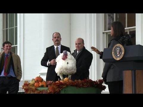 US President Barack Obama pardons Thanksgiving turkey