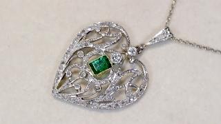 Diamond emerald heart pendant antique jewellery ac silver a fine art nouveau 033 carat emerald and 035 carat diamond 9 carat gold heart shaped pendant part of our diverse antique jewellery and estate jewelry aloadofball Images