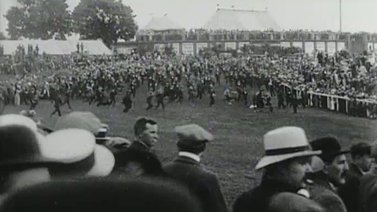 The Derby 1913 Emily Davison Trampled By King S Horse