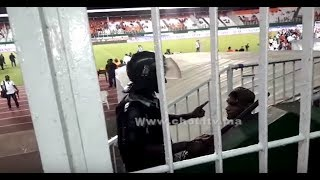 بالفيديو.. شاهد لحظة تعنيف الجماهير المغربية من طرف الأمن الإيفواري |