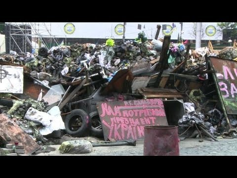Kiev:les irréductibles du Maïdan s'accrochent à leurs barricades