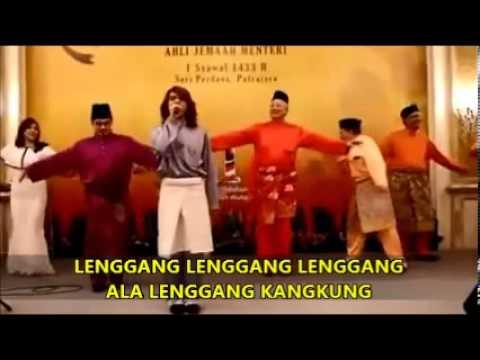 Najib dan Rosmah Berlenggang Kangkung