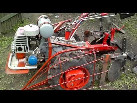 Мотор Сич. Защита ботвы картофеля от колес мотоблока.