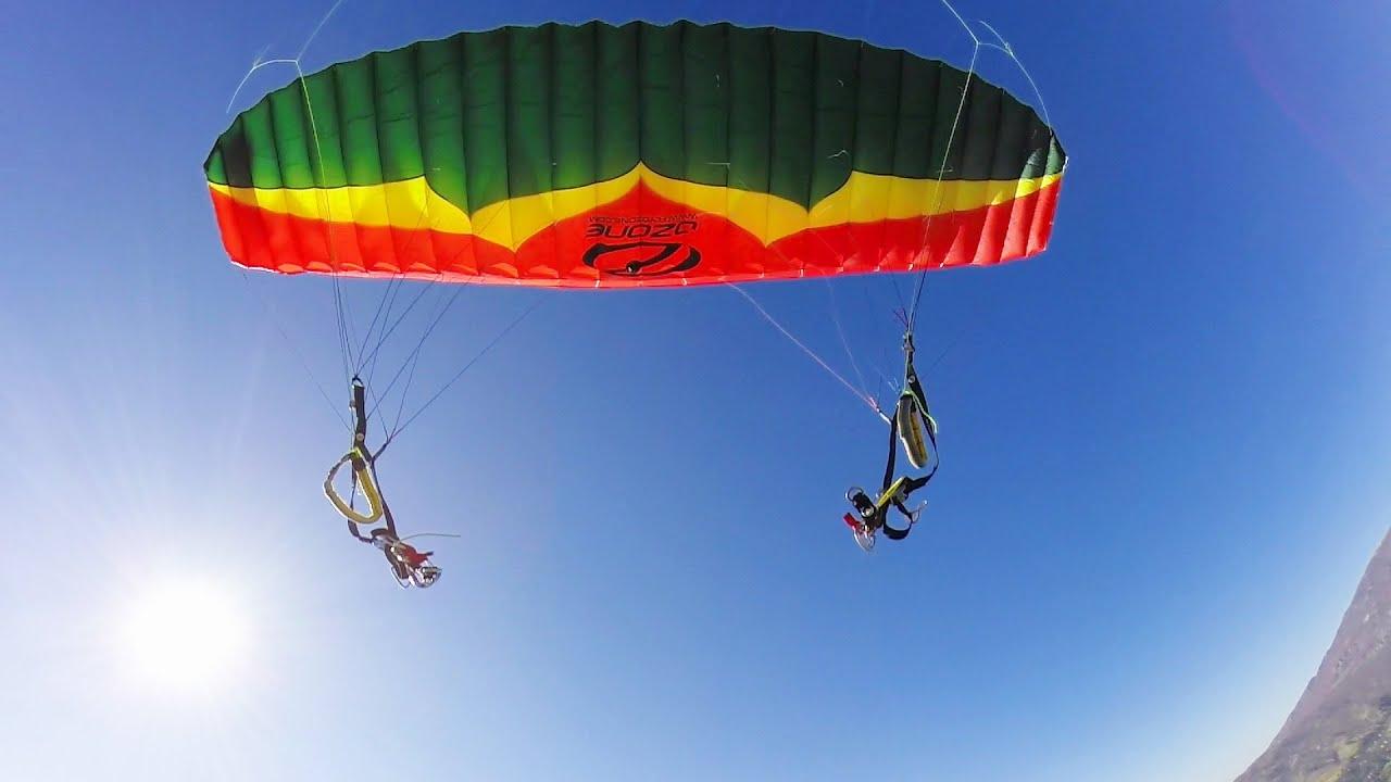 Sauter en parachute, depuis un parachute
