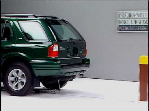 Crash Test 2001 Isuzu Rodeo ( 5 M.P.H) Rear into Pole IIHS