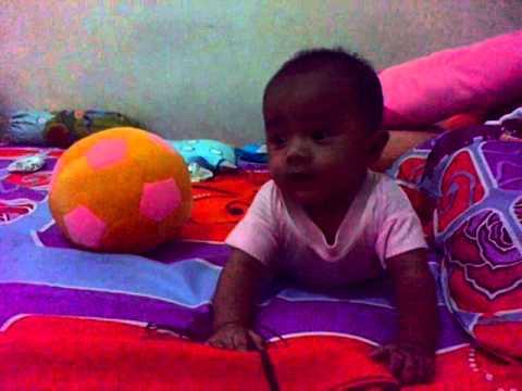 bayi 5 bulan ketawa ngakak