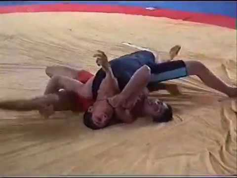 THE BEST PAKISTANI WRESTLER MUHAMMAD KAFEEL BEAT TO GAMA PEHLWAN.wmv