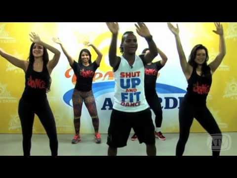 Aprenda a coreografia de um dos hits do carnaval