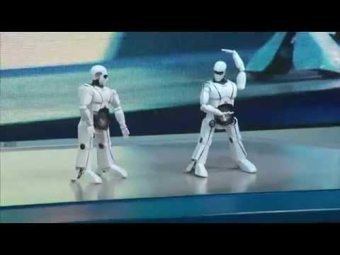Robot Việt Nam nhảy Gangnam Style gây ấn tượng tại CES 2013 - Vinamain