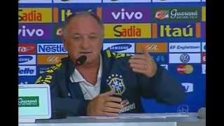 O técnico Felipão disse em coletiva que não toma decisões sozinho. A permanência dele na Seleção Brasileira também é questionada na entrevista.