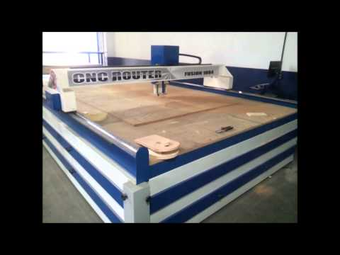 Maquina CNC para cortes em madeira  MDF