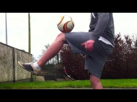 Knee Stall (Tutorial) :: Freestyle Football
