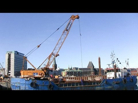 Liebherr HS 835HD Crane Working On A Ship