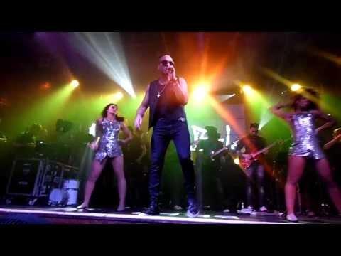 Menina Linda Cantor Belo ao vivo no Carioca