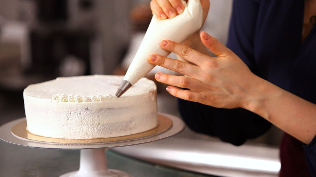 Cake Decorating With Different Tips : 3 Cake Border Piping Tips Cake Decorating - YouTube