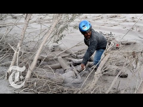 Mount Sinabung Volcano Eruption 2014 - Destruction in Indonesia - The New York Times