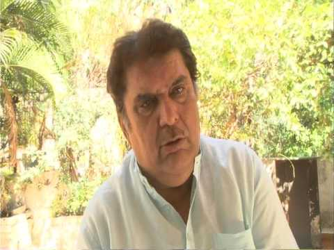 Raza Murad speaking about the dedication and discipline of Shri. Gurudas Kamat.