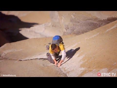 Alex Honnold Solos El Sendero Luminoso (7b+) Potrero Chico, Mexico | EpicTV Climbing Daily, Ep. 209