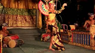 unbelievable super balinese dance , by 14 years old girl.