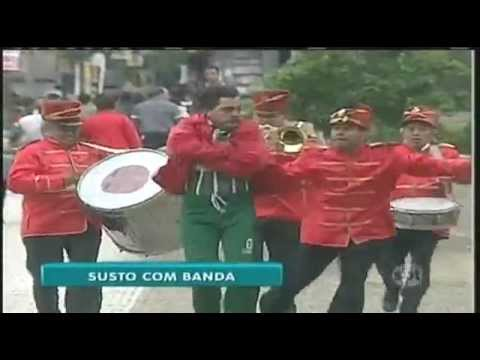 O Bloco que assusta – Silvio Santos SBT title=