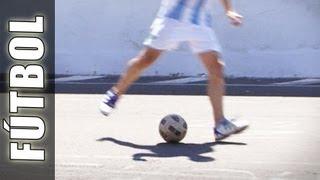 Fútbol: Pase de tacón