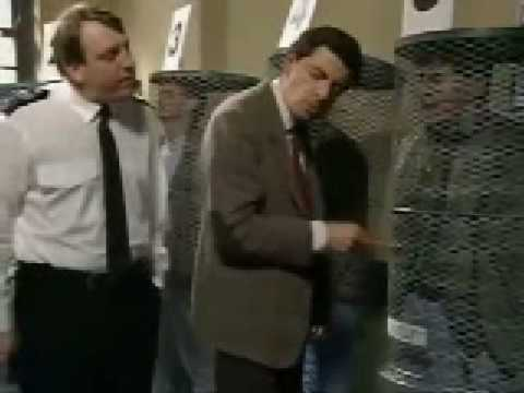 Mr Bean Episode 4 Mr Bean Goes To Town Part 2 3 Youtube