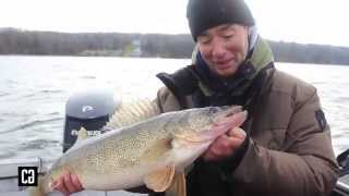 How to Stroll for Winter Walleye