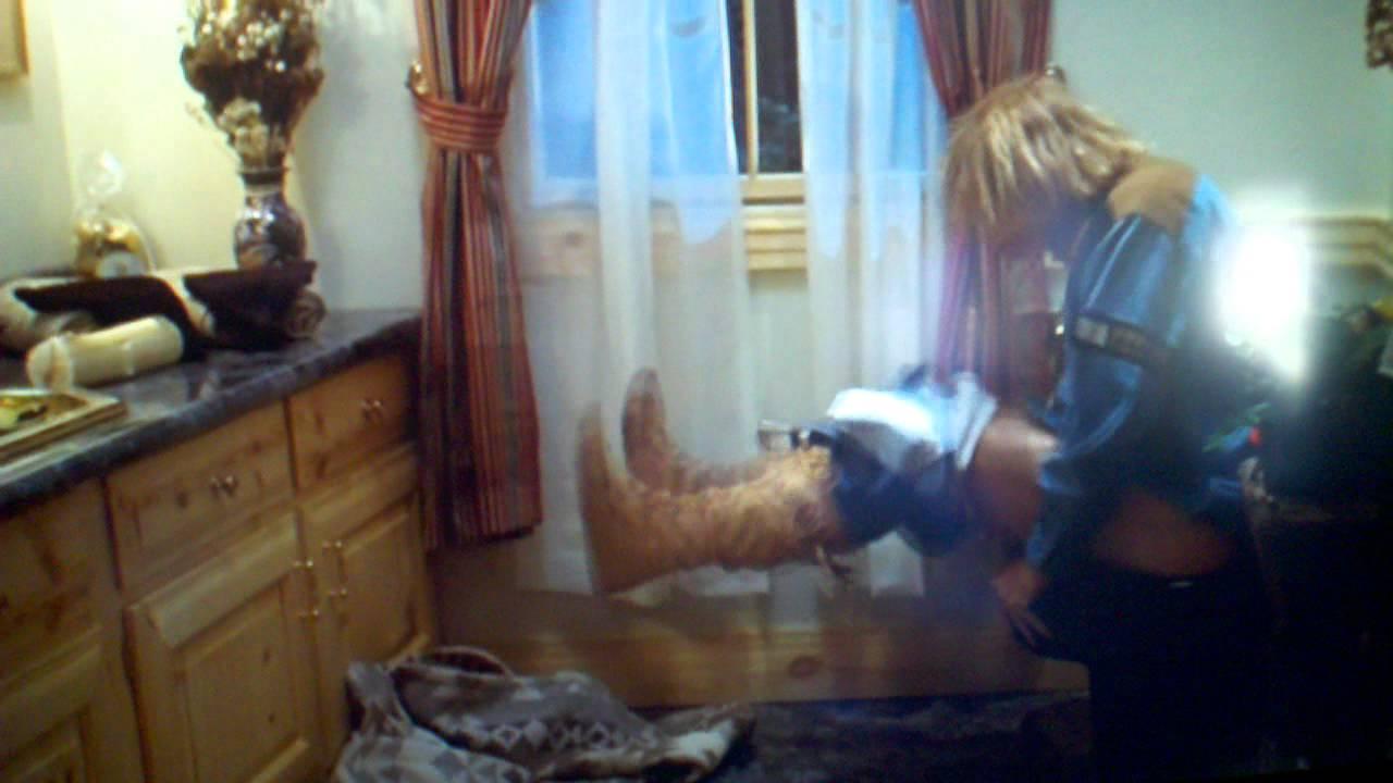 Dumb dumber bathroom scene youtube for Bathroom scenes photos