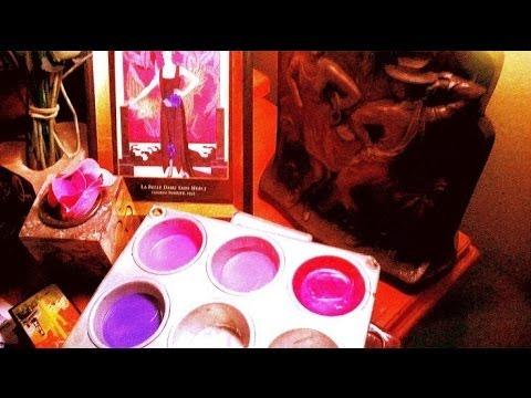 DIY Lip Gloss ~ Coconut Oil & Crayola Crayons