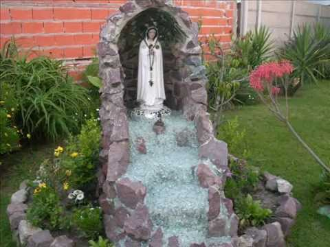 Construcci n gruta rosa m stica youtube for Jardin guadalupano