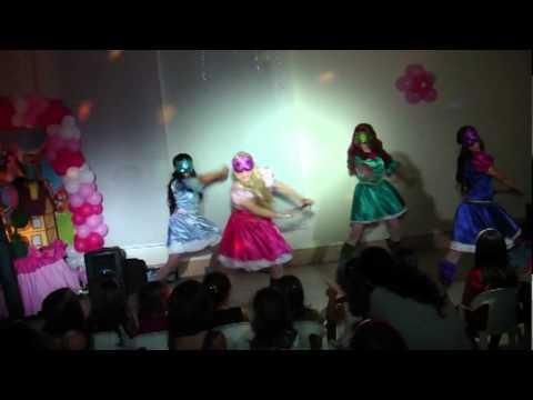 Barbie e as Três Mosqueteiras ArennoZ - março/2012 em Higienópolis/São Paulo