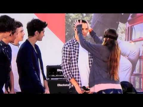 One Direction, and lucky fans game on Ellen