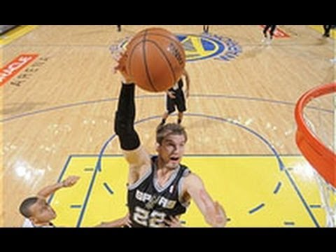 Tiago Splitter Tips in the Game-Winner!