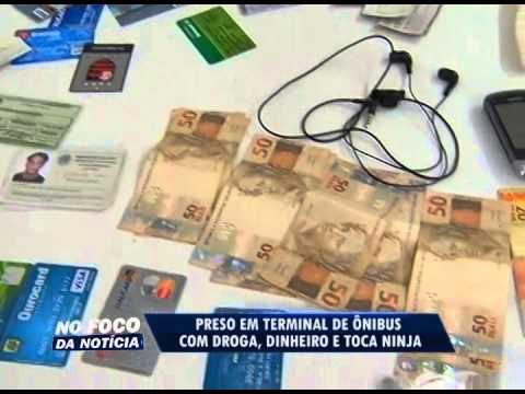 Homem é preso em terminal de ônibus com droga, dinheiro e touca ninja