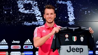 La prima conferenza stampa di Neto alla Juventus - Neto meets the media in Vinovo