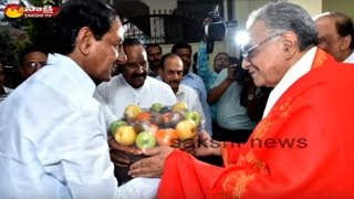 KCR conveys birthday wishes to Potturi Venkateswara Rao