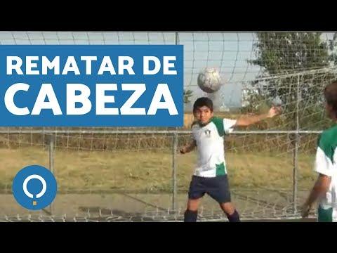 Cómo rematar de cabeza en fútbol (soccer)