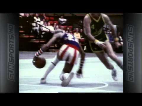 這高超的控球技巧也太像在跳地板動作了吧 - Curly Neal