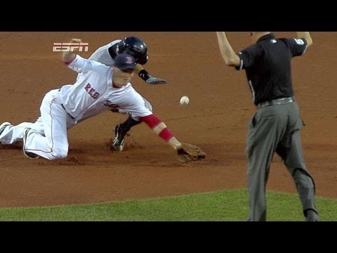 Gardner hustles home with game's first run