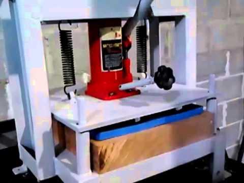 Maquina de Fazer Chinelos CORTA ATÉ 2 PARES POR VEZ