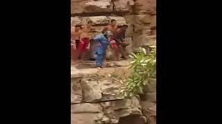 شوفو الشجاعة..مسنة مغربية تقفز من مكان شاهق الارتفاع للسباحة في بحيرة بأكادير    |   قنوات أخرى