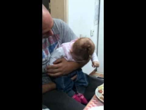Заспаната убавица: Бебето Леона